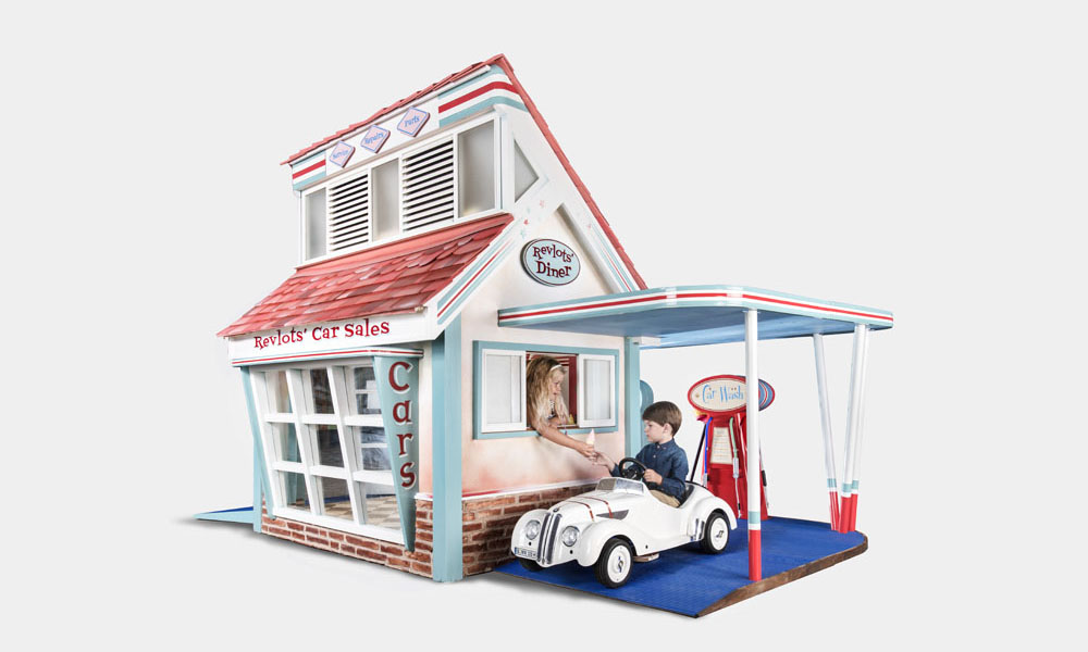 Rascal revlots 39 garage luxury children 39 s playhouse for Wooden playhouse with garage